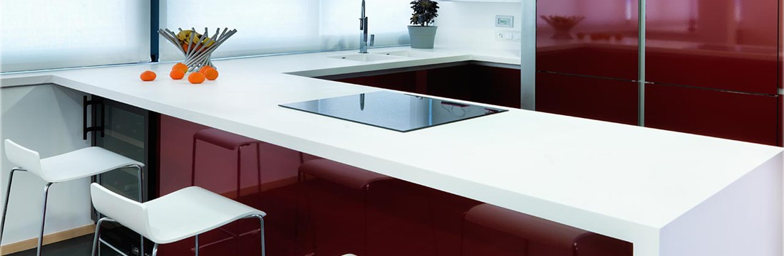 Cocina granate con solid surface 12
