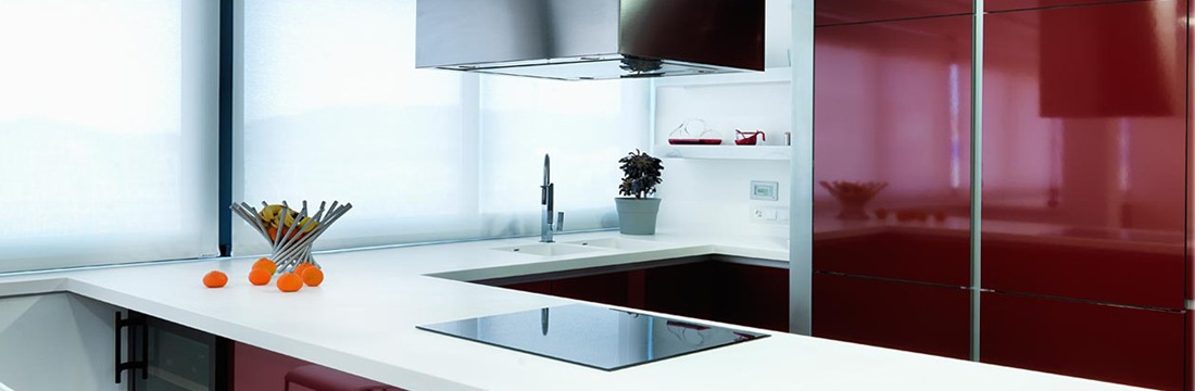 Cocina granate con solid surface 11